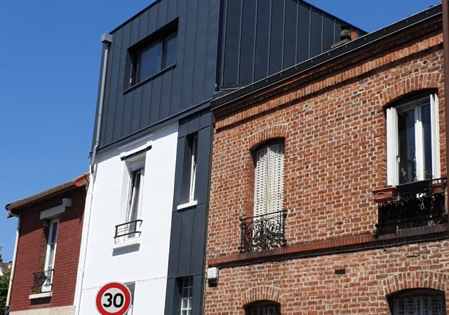 Surélévation d'une maison avec une toiture terrasse à Montreuil en Seine Saint Denis